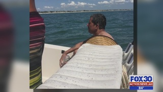 Jacksonville area boaters rescue man stranded at sea