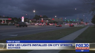 New LED lights being installed on the streets of Jacksonville